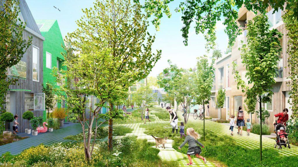 Een groene woonstraat, waar kinderen spelen en moeders met kinderen en kinderwagens lopen. De gebouwen die zijn afgebeeld zijn twee bouwlagen hoog. Je ziet geen auto's.